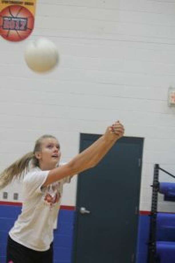 Jada Meeuwes works with the ball at a recent practice.