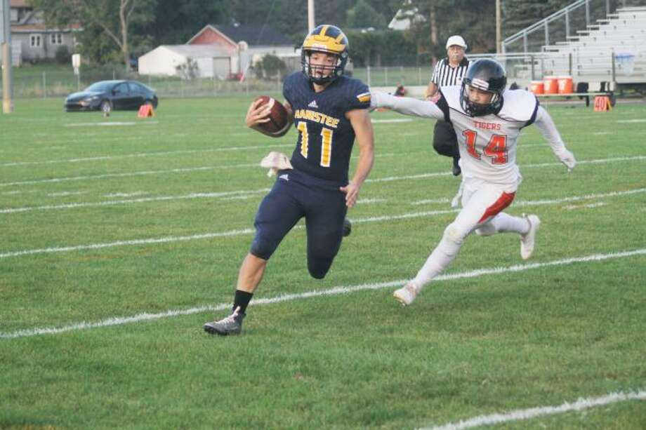 Manistee quarterback Keelan Eskridge led the Chippewas to a 67-12 win over Muskegon Heights on Friday. (Dylan Savela/News Advocate)