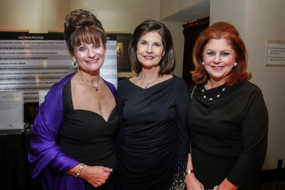 Beth Dow, from left, Jane Brann and Laura Kent at the Best Cellars Wine Dinner at Hotel ZaZa on September 26, 2019.