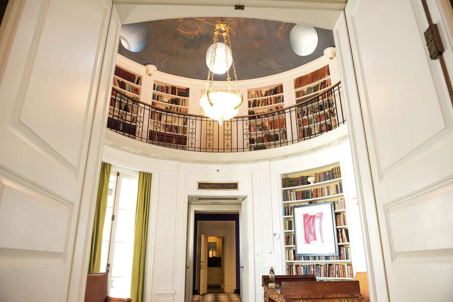 The library with a view of both the first and second level. Photo: Blair Heagerty / SFGate