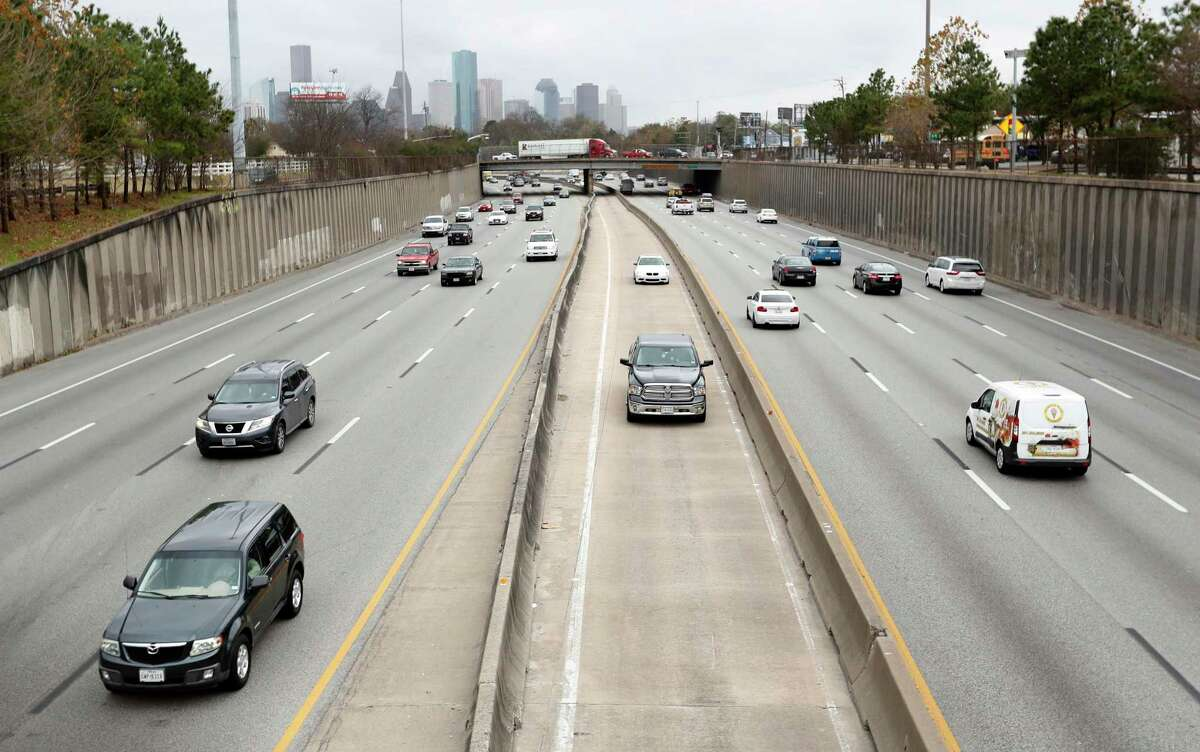 Traffic moves north on the I-45 HOT lane under Cottage Street north of downtown Houston on Jan. 26, 2018.