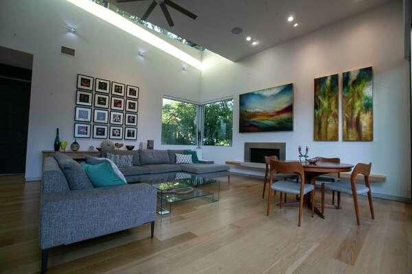 Luxury Mid Century Modern Inspired San Antonio Home Surrounds Pool Courtyard Expressnews Com