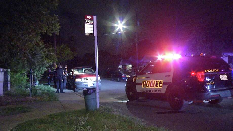 SAPD is investigating a double shooting that left one dead. Photo: Ken Branca