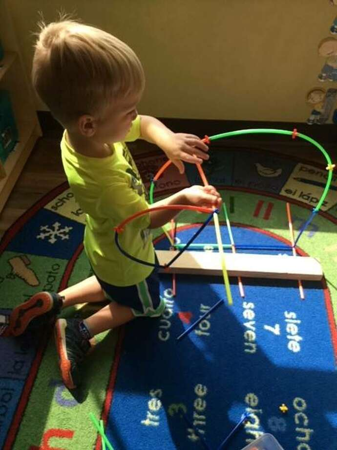 Focusing on architecture, little ones spent all last month (9/16-9/20) building replicas of the famous St. Louis Gateway Arch with materials in the classroom including toys, blocks, art & crafts and so much more.