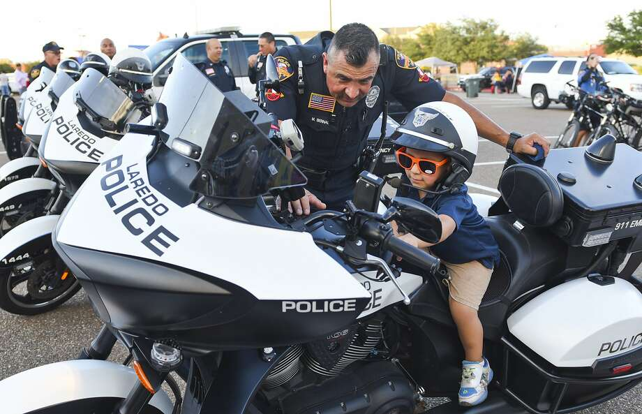 Click through the gallery to see the 15 best cities for police officers to work in, according to AdvisorSmith. Photo: Danny Zaragoza, Laredo Morning Times