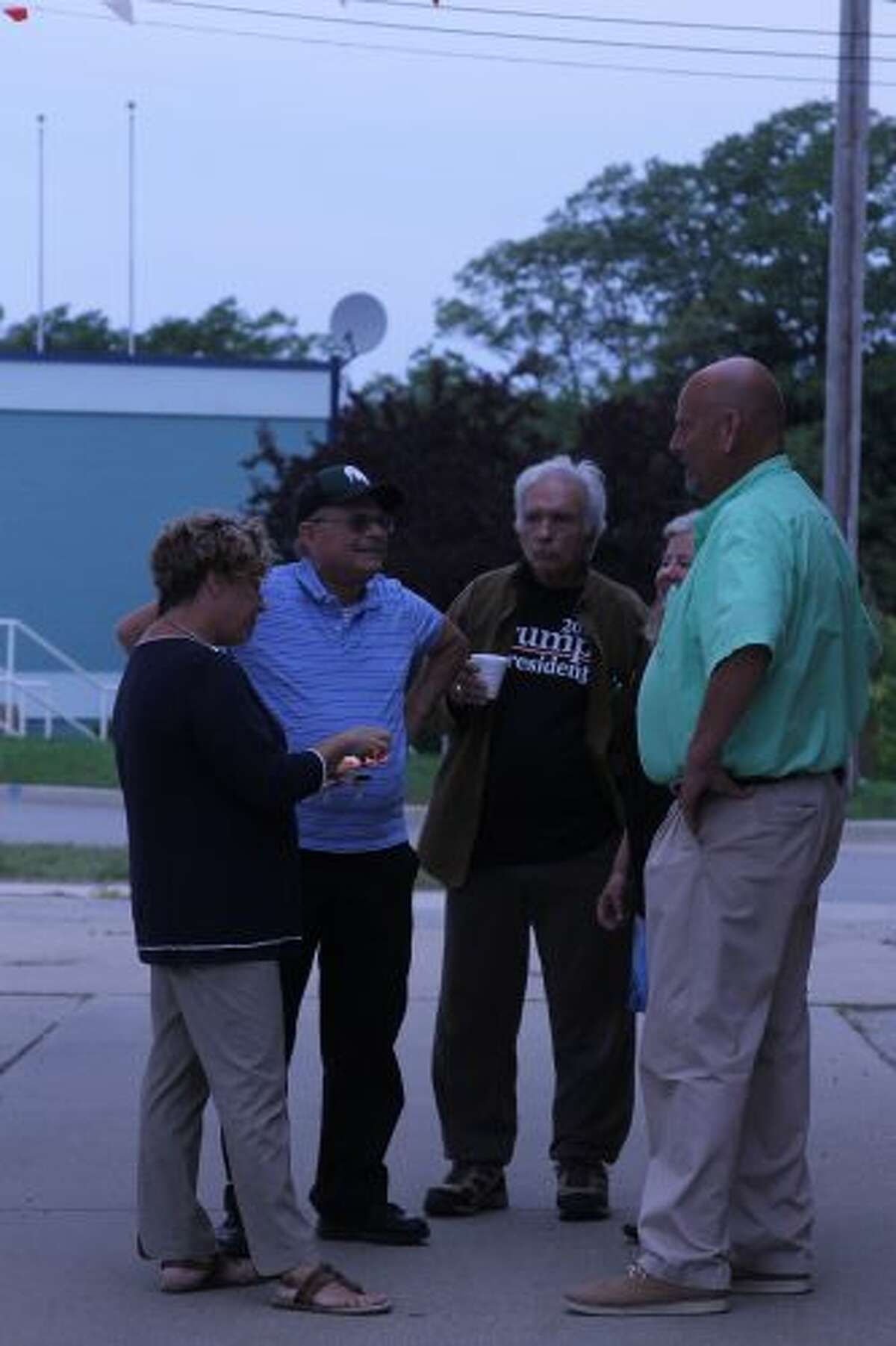 VanderWall and his wife Diane met with constituents throughout the event. (Sean Bradley/News Advocate)