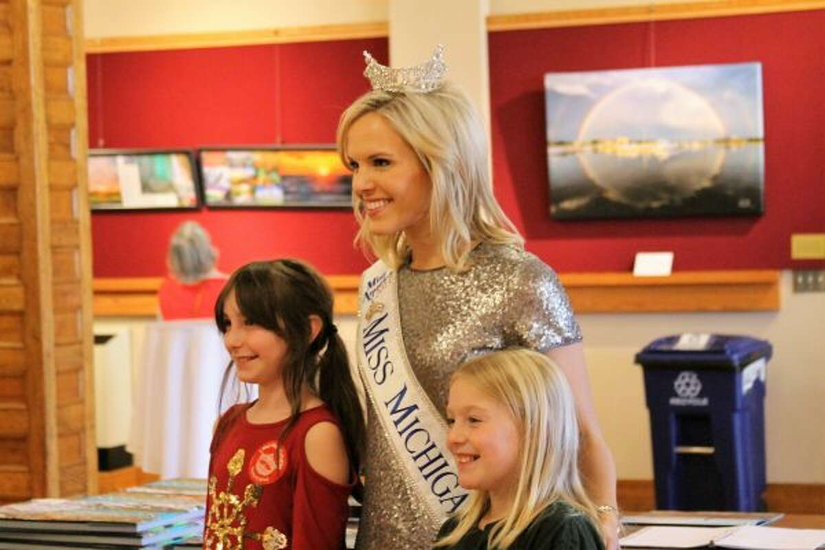 Miss Michigan Heather Kendrick was at the Ramsdell Theatre on Saturday, taking photos with visitors. (Ashlyn Korienek/News Advocate)