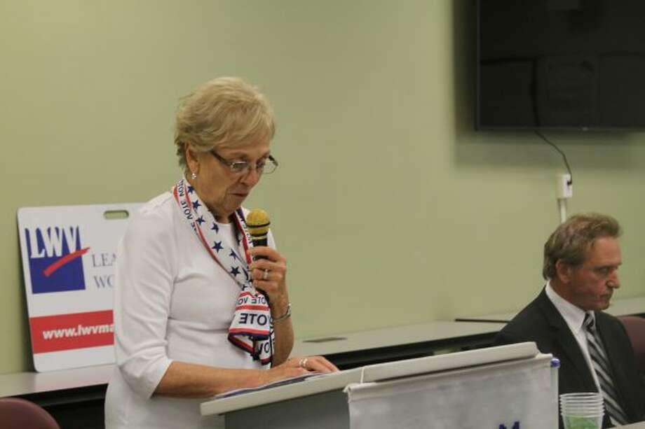 Nancy Behring, LWV Manistee County president, welcomed all who attended the voters forum on Thursday. (Ashlyn Korienek/News Advocate)