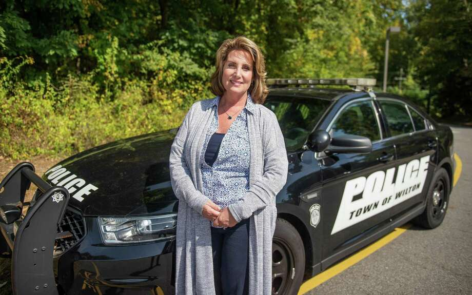 Diane MacLean, Wilton School Resource Officer at Middlebrook and Miller-Driscoll schools, is retiring and moving to Arizona. Photo: Bryan Haeffele / Hearst Connecticut Media / Wilton Bulletin