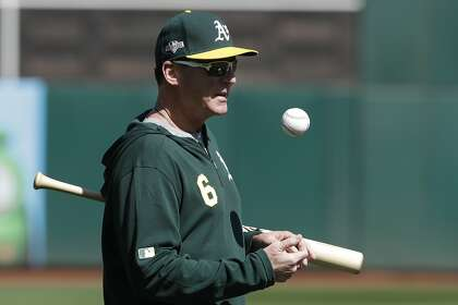 Rookie Sean Murphy in A's lineup for wild-card game