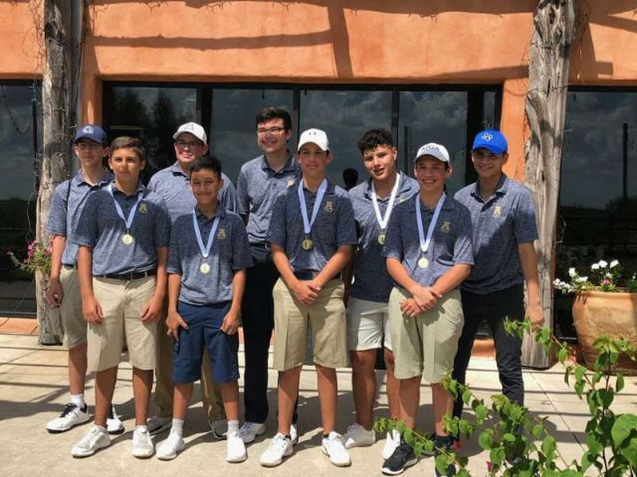 The Alexander boys' golf team took the team and individual titles Wednesday at the Max A. Mandel Municipal Golf Course. Photo: Courtesy Of Alexander Athletics