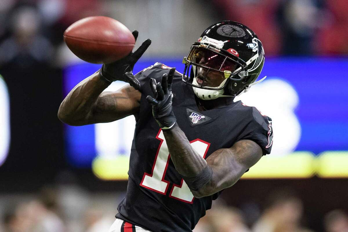 The Texans already had issues slowing down the Titans. Now, Tennessee adding receiver Julio Jones makes defensive coordinator Lovie Smith's job harder.