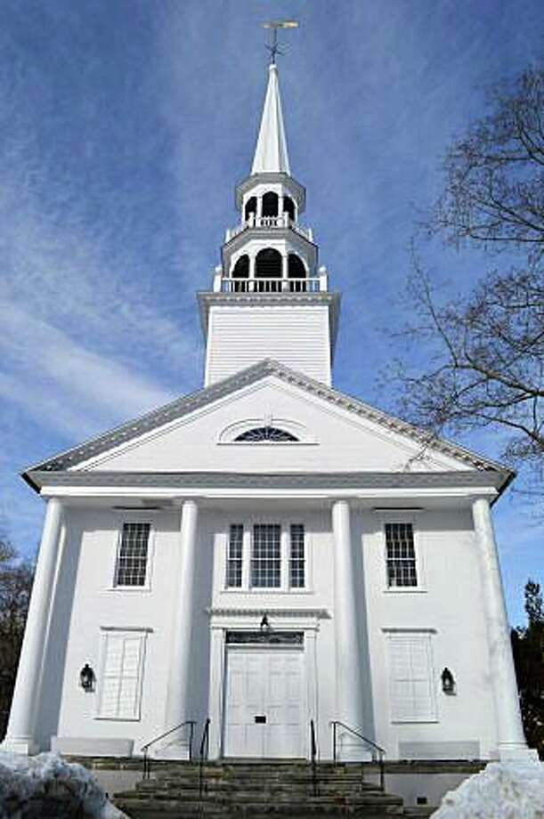 Saugatuck Congregational Church, built in 1832, has been fully restored following a devastating fire in November 2011. Photo: Jarret Liotta / Jarret Liotta / Westport News
