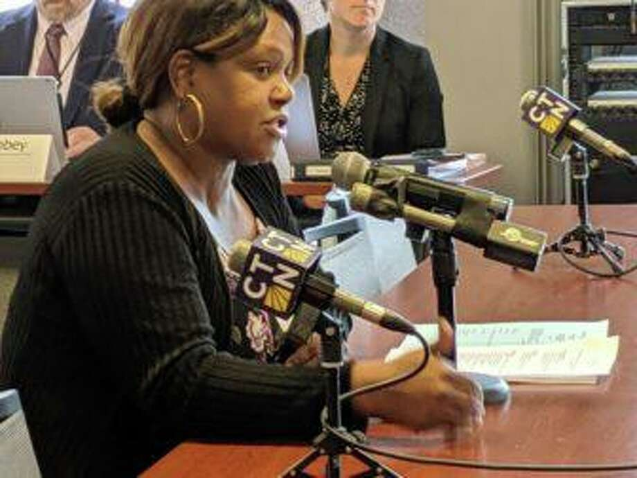 Gwen Samuel, president of the Connecticut Parents Union, asks the State Board of Education to review provisions exempting the Partnership for Connecticut from state disclosure and ethics rules. Photo: Kathleen Megan / CTMirror.org