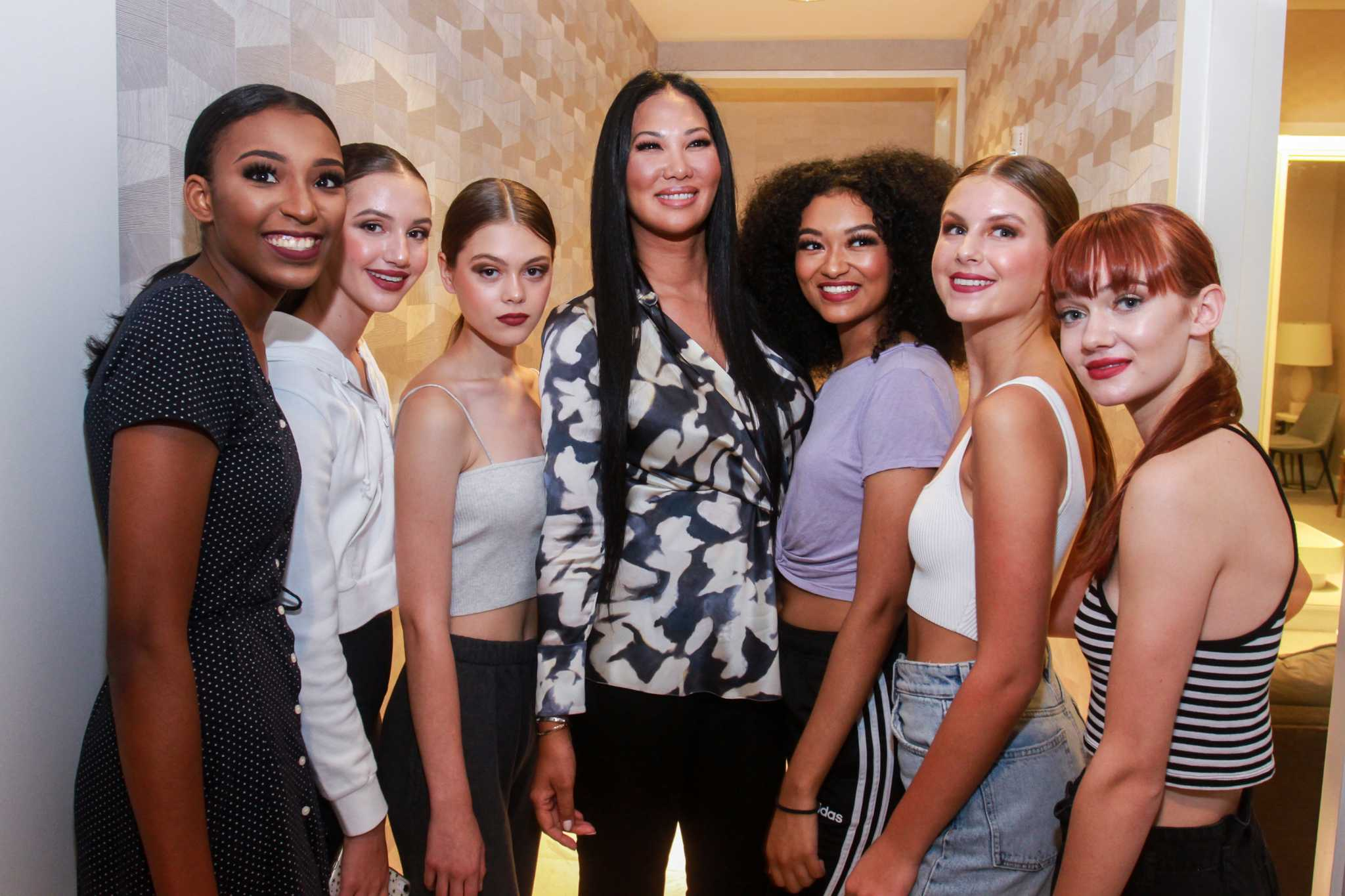 Hcc S Passion For Fashion Gets Fabulous With Kimora Lee Simmons Houston Chronicle