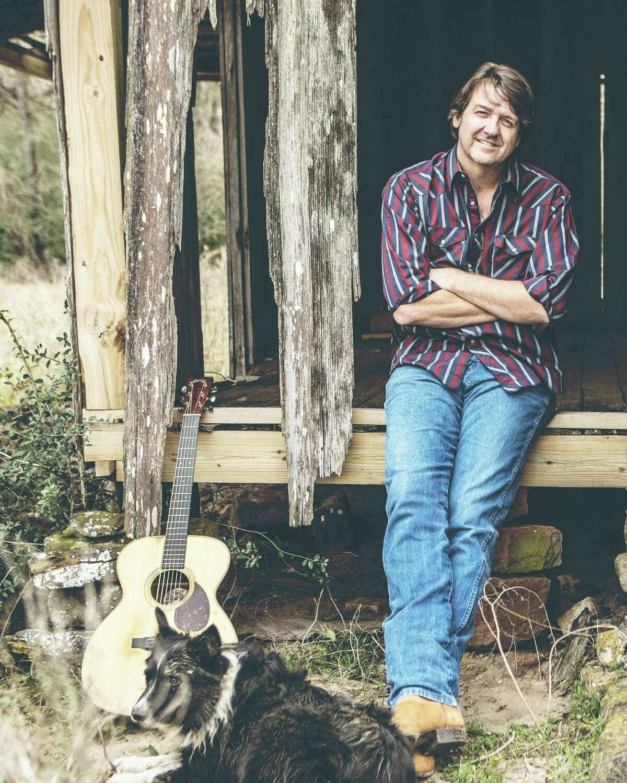 Singer-songwriter Bruce Robison