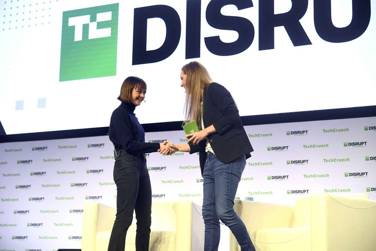 SAN FRANCISCO, CALIFORNIA - OCTOBER 03: (L-R) Actress & Daisie Co-founder Maisie Williams and TechCrunch Managing Editor Jordan Crook speak onstage during TechCrunch Disrupt San Francisco 2019 at Moscone Convention Center on October 03, 2019 in San Francisco, California. (Photo by Steve Jennings/Getty Images for TechCrunch)