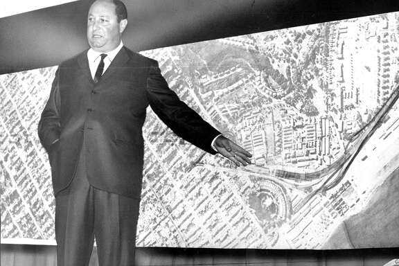 freeway transit for San Francisco  .. Supervisor William Blake describing Golden Gale Freeway plan at a meeting at Galileo High School,May 25, 1965