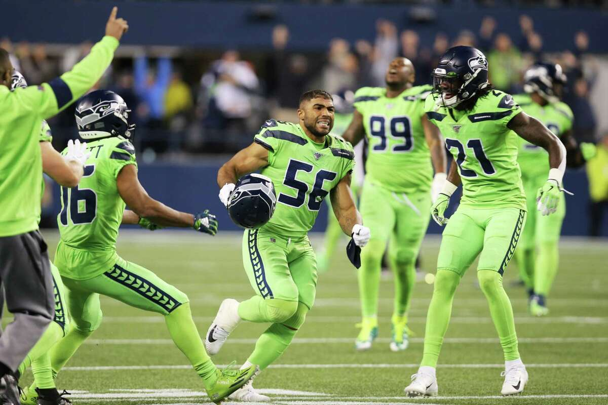 The Seahawks celebrate their 30-29 victory against the LA Rams, Thursday, Oct. 3, 2019.