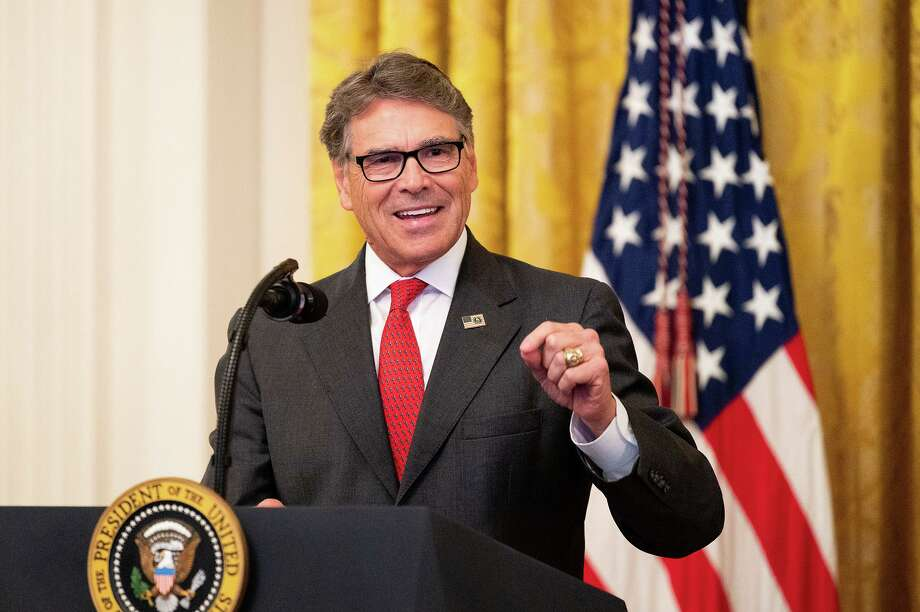 Weeks after resigning as Secretary of Energy, former Texas Gov. Rick Perry has rejoined the board of directors overseeing the Dallas pipeline company Energy Transfer. Photo: Michael Brochstein, FILE / TNS / Sipa USA