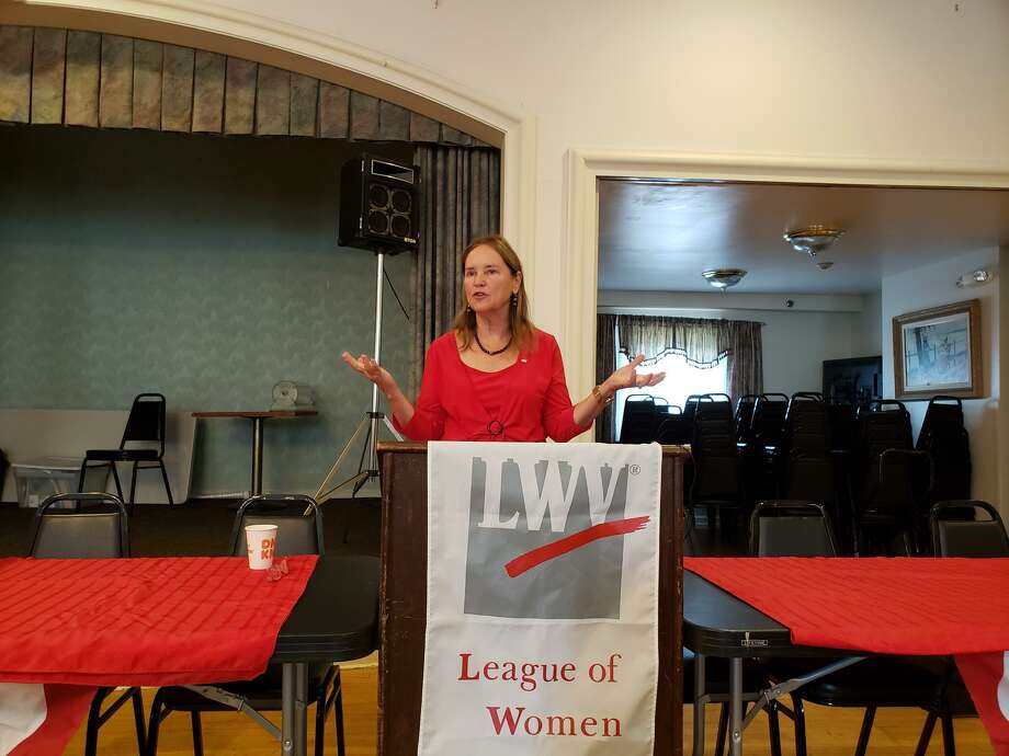 Secretary of the State Denise Merrill speaks in Darien at a League of Women Voters event. Photo: Sandra Diamond Fox / Hearst Connecticut Media / Connecticut Post