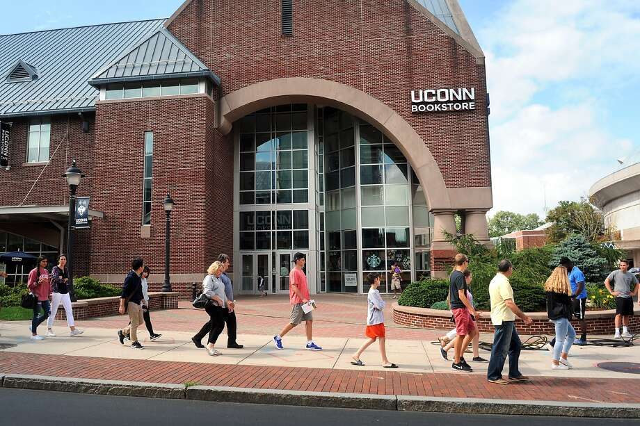 Students tour the University of Connecticut campus in preparation for the new school year, in Storrs, Conn. Aug. 20, 2018. Photo: Ned Gerard, Hearst Connecticut Media
