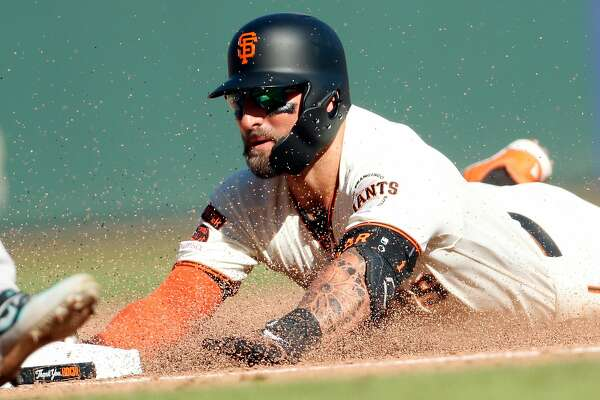 Giants decline to offer contract to popular Kevin Pillar, making him a free agent
