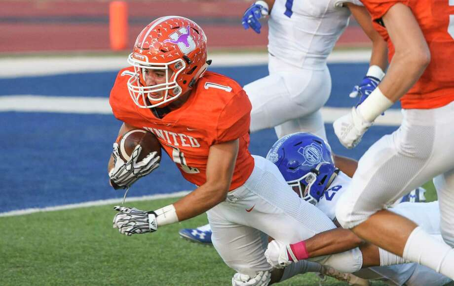 With the 2020-22 realignment, local District 29-6A teams instead will find themselves in District 30-6A and have a potentially more difficult first-round playoff series awaiting them. Photo: Danny Zaragoza / Laredo Morning Times File