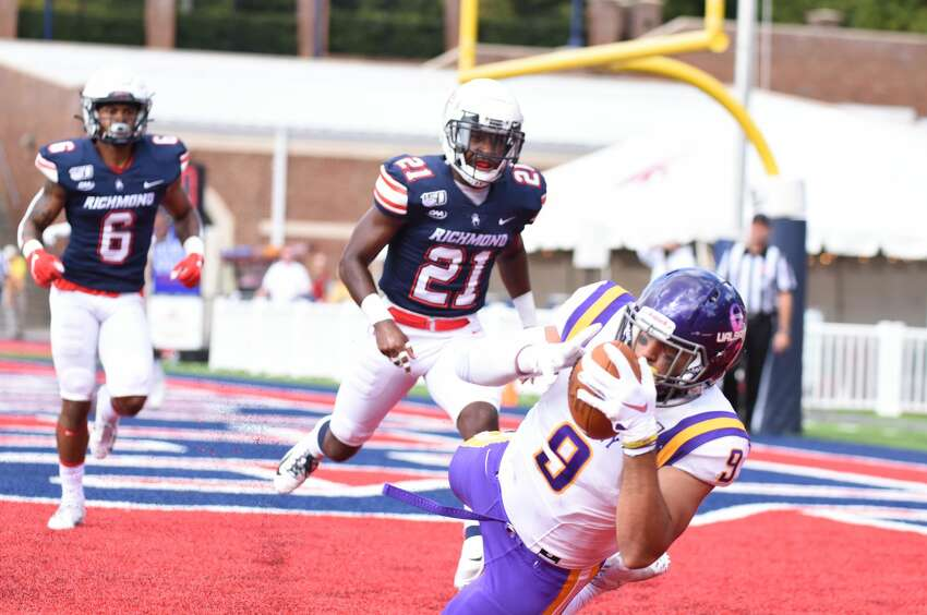 UAlbany tight end Murad Hussain pulls in a touchdown pass against Richmond in their game Saturday, Oct. 5, 2019, at Robins Stadium in Richmond, Va. (Courtesy of Keith Lucas / Richmond Athletics)