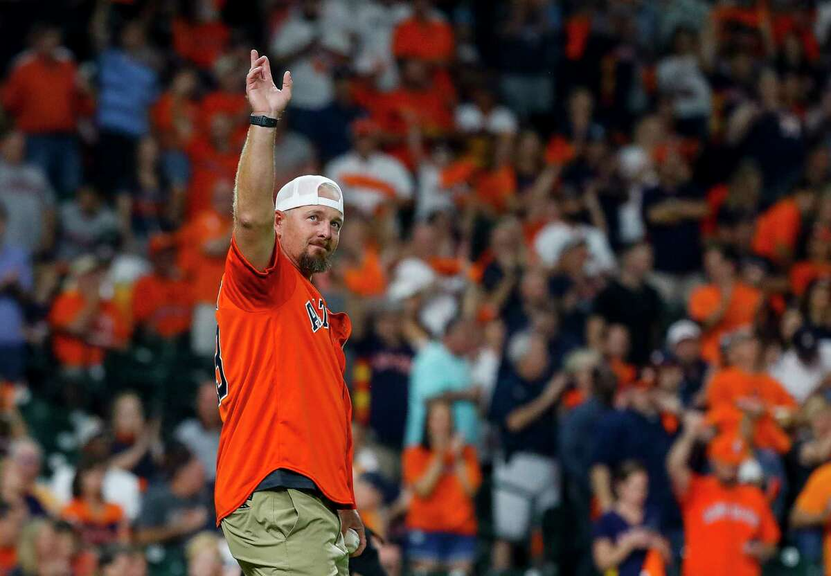 Former Astros closer Billy Wagner waves to the crowd before throwing out the ceremonial first pitch before Game 2 of the American League Division Series at Minute Maid Park on Saturday, Oct. 5, 2019, in Houston.