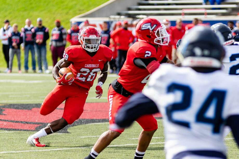 SVSU junior Nate McCrary carries the ball up the field during a game against Northwood Oct. 5, 2019 at Wickes Memorial Stadium. (Cody Scanlan/for the Daily News) Photo: Cody Scanlan, (Cody Scanlan/for The Daily News)