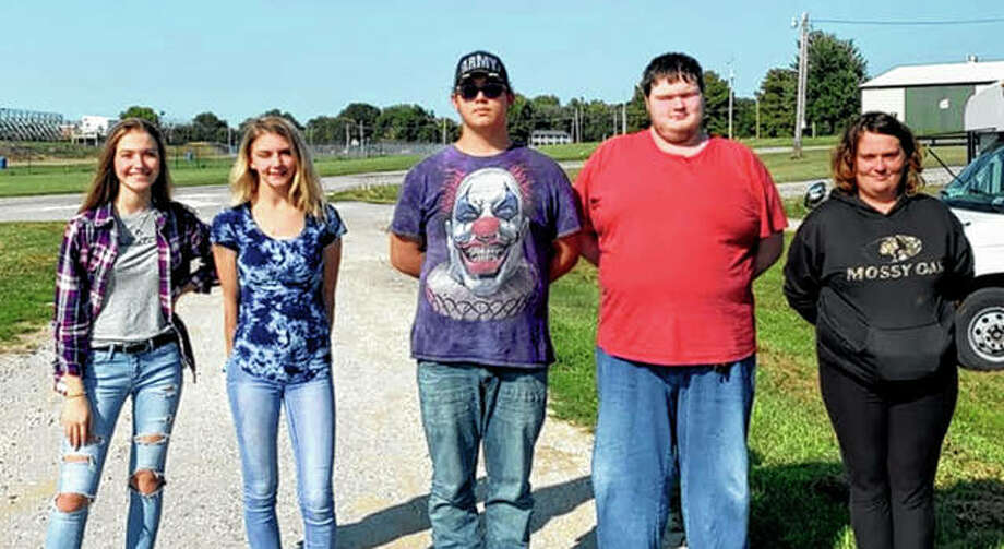 Bluffs FFA chapter members attended a horse judging event Sept. 5 in Jacksonville. The Varsity team placed first overall. Alexis Bruns placed first in individual competition and Caleigh Jones placed 10th in individual competition. Varsity team members include Alexis Bruns (from left), Caleigh Jones, Levi Haverfield, Justin Beddingfield and Annie Smithers. The Greenhand team placed second overall while team member Tucker Albers placed second in individual competition, Jayden Moore placed seventh and Maggie Beddingfield placed 10th. Other Greenhand members attending included Jade Hamilton and Jesse Lott. Photo: Photo Provided