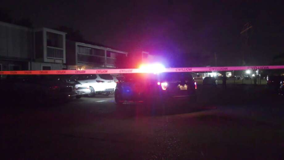 A man was shot and killed in the parking lot of an Alief apartment complex on Saturday night. Photo: On Scene