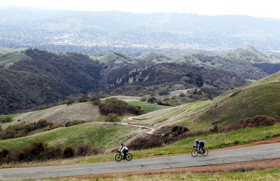 Cyclists make their way down from the from Mt Diablo State Park summit. Photo: Lance Iversen / The Chronicle 2012