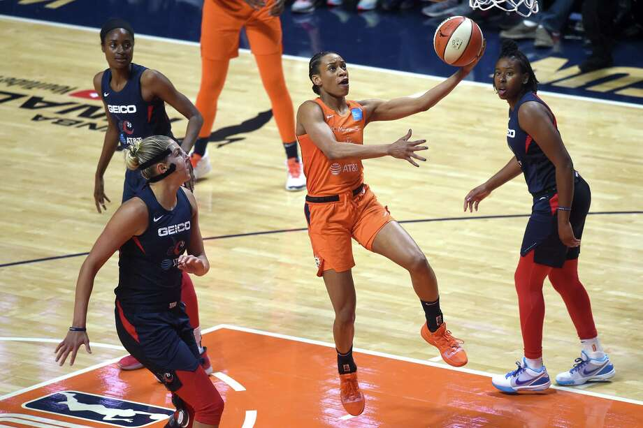 Connecticut Sun guard Jasmine Thomas gets to the basket against the Washington Mystics in Game 3 of the WNBA Finals on Sunday, Oct. 6, 2019, at Mohegan Sun Arena in Uncasville. Washington won the game 94-81. Photo: Brad Horrigan / TNS / Hartford Courant