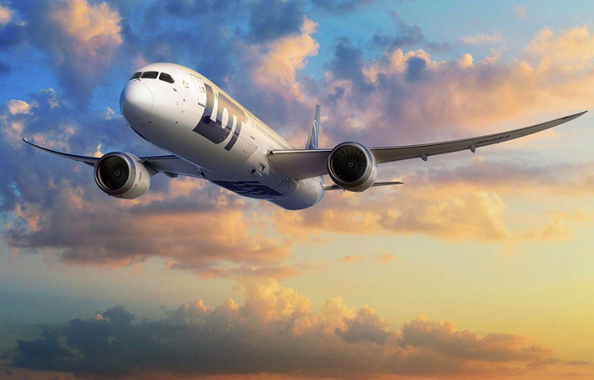 LOT Polish Airlines plans to fly between Warsaw and San Francisco using a Boeing 787 Dreamliner