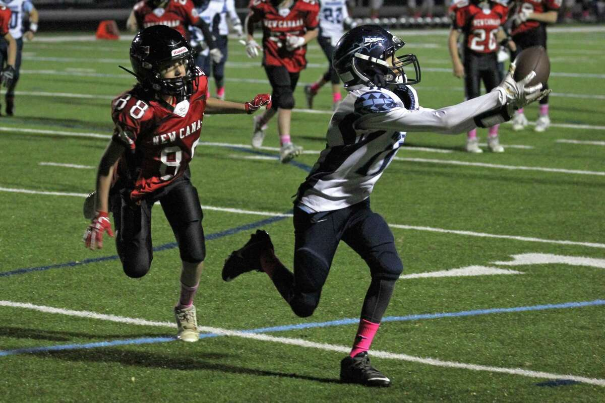 Charlie Roy makes a catch during the Wilton 6th grade team's win over New Canaan.
