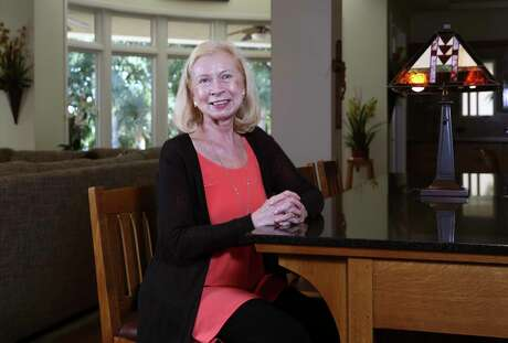 Texas Power Brokers profile on Cathy Burzik, a longtime medical executive and highly-trained mathematician on her successful career. (Kin Man Hui/San Antonio Express-News)