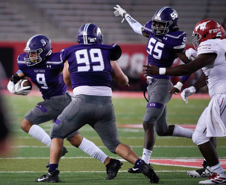 Ridge Point linebacker Jacob Tubbs (9) advances the ball after recovering a fumble during the first half of a high school football game against North Shore, Thursday, Sept. 5, 2019, at TDECU Stadium at the University of Houston. Photo: Eric Christian Smith, Contributor / Contributor