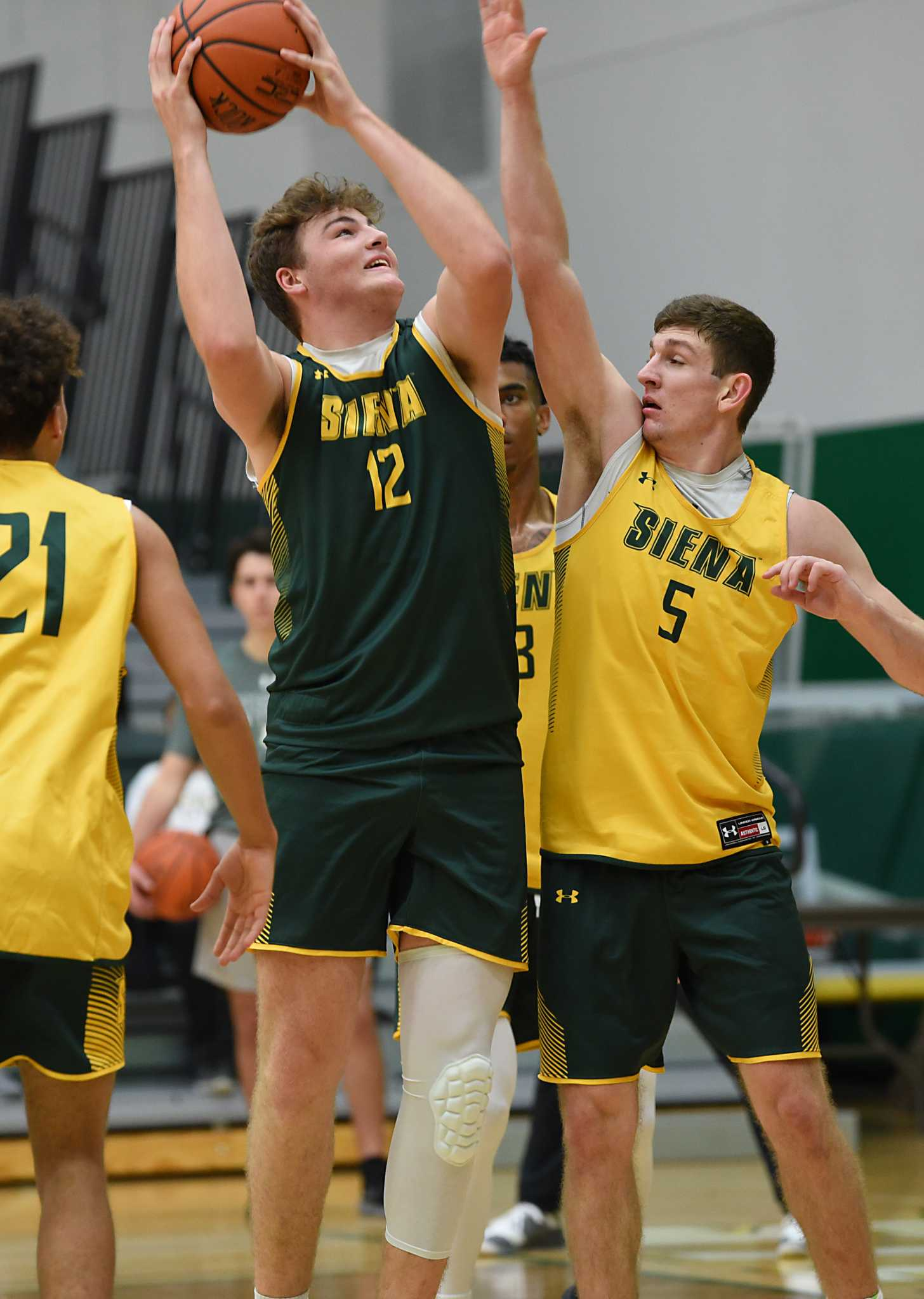 Siena basketball freshman getting used to bigger stage