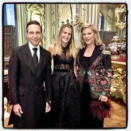 """Designers Ken Fulk (left) with India Hicks and Suzanne Tucker at the """"Fall"""" show. Oct. 2, 2019."""