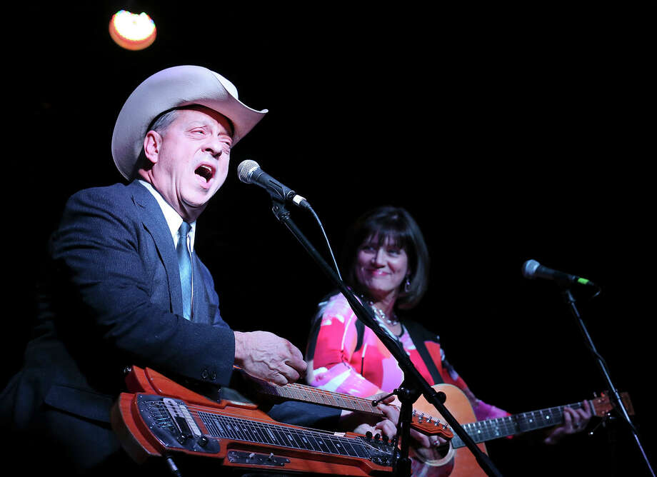 Junior Brown (left) and his wife Tanya Rae Brown perform Saturday Jan. 11, 2014 at Sam's Burger Joint. Photo: Edward A. Ornelas, San Antonio Express-News / © 2014 San Antonio Express-News