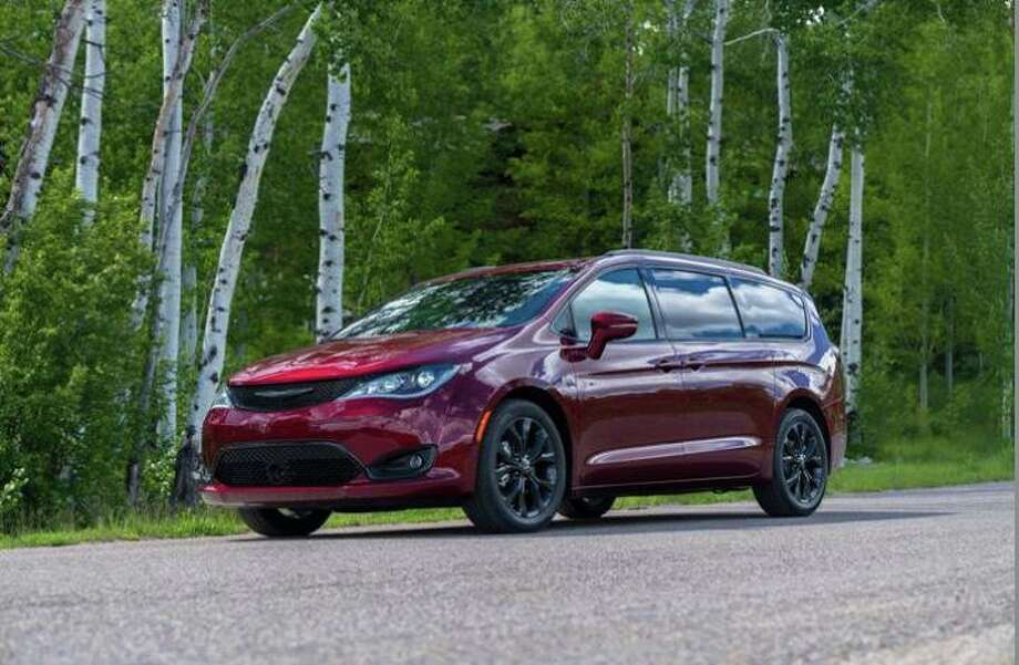 The Pacifica is simply too big to claim any resemblance to the character of a modern midsize or even full-size sedan. Photo: FCA US Media / Contributed Photo