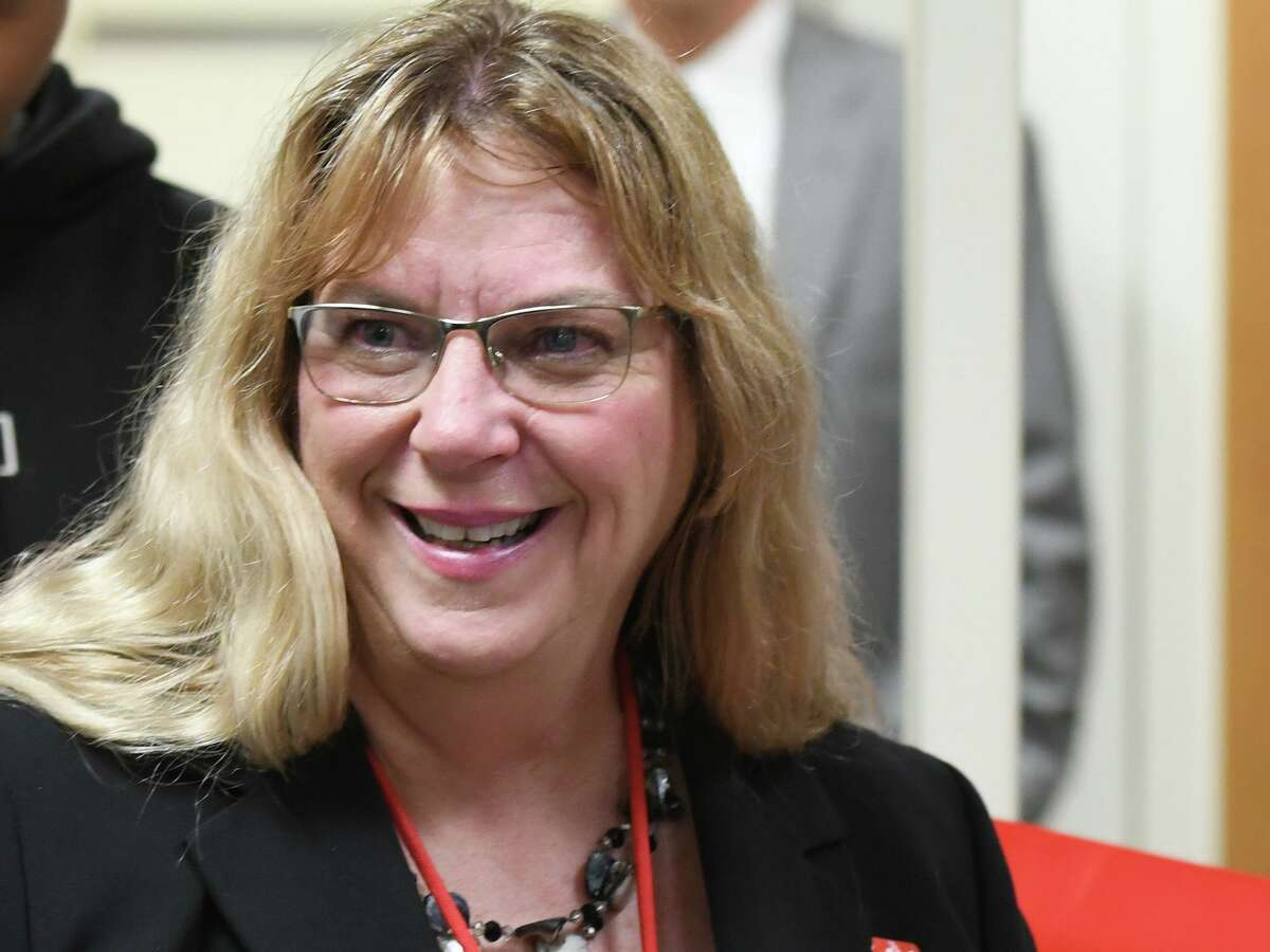 Superintendent of Schools Toni Jones said late Wednesday that Greenwich public school teachers will return to their classrooms on Monday instead of Thursday as scheduled.