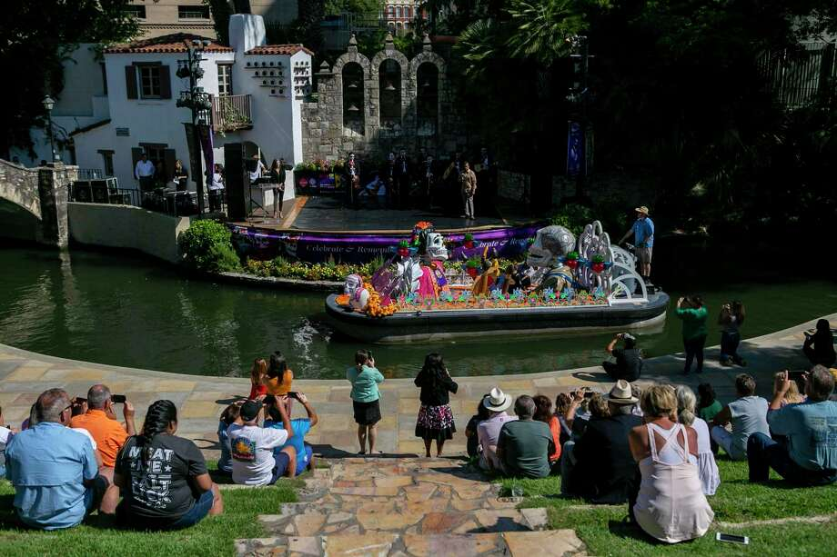 Day of the Dead: The city of San Antonio's inaugural Day of The Dead celebration will feature kid-friendly activities, live music, food and drinks, art displays and a river parade, which can be viewed from the Arneson Theatre. 6-11 p.m. Friday-Saturday, noon-6 p.m. Sunday. La Villita, 418 Villita St., dodsat.com.  Photo: Staff File Photo / **MANDATORY CREDIT FOR PHOTOG AND SAN ANTONIO EXPRESS-NEWS/NO SALES/MAGS OUT/TV
