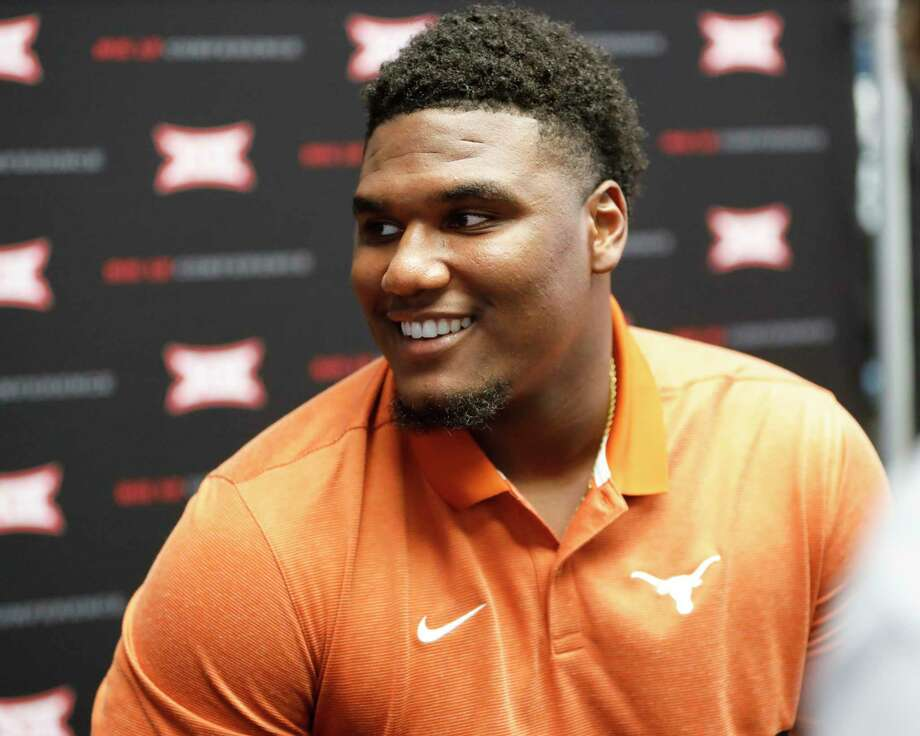 Defensive end Malcolm Roach is one of the UT players who has experienced the fTexas-OU rivalry firsthand. Photo: David Kent /Associated Press / Copyright 2019 The Associated Press. All rights reserved.