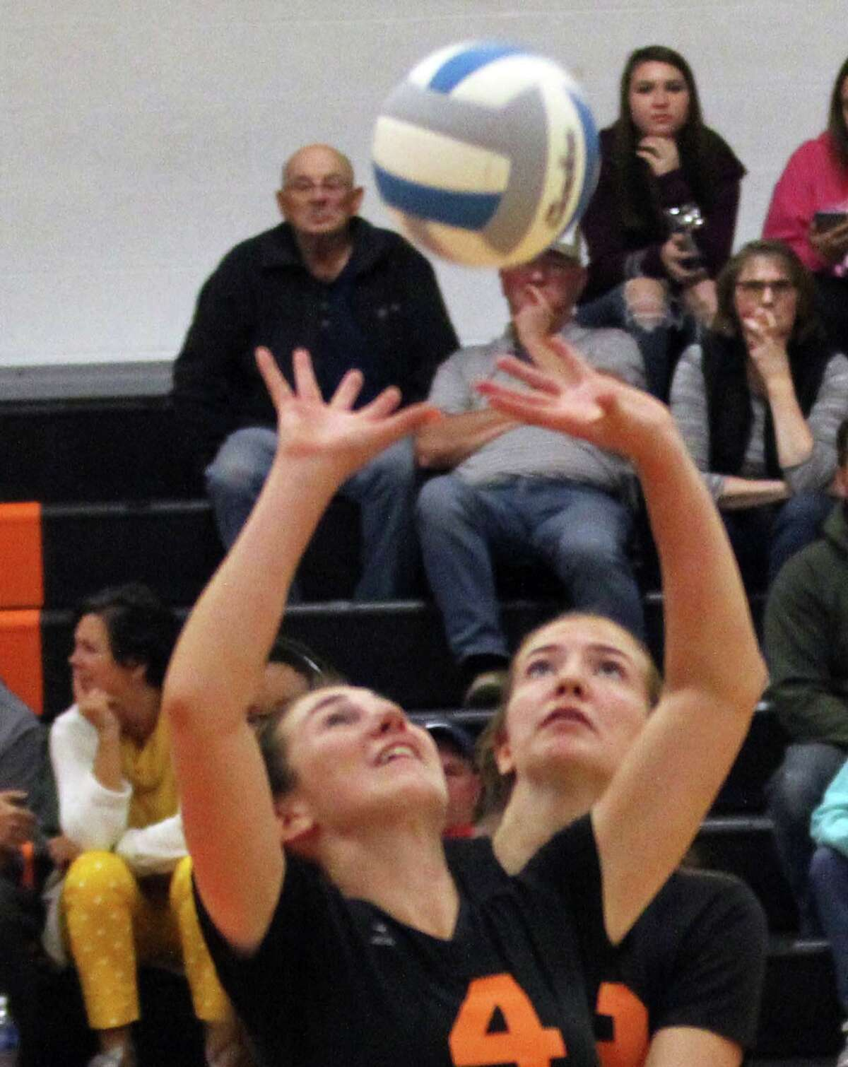 The Ubly volleyball team beat visiting Memphis in straight sets, 25-10, 25-14 and 25-12, on Tuesday, Oct. 8, 2019.
