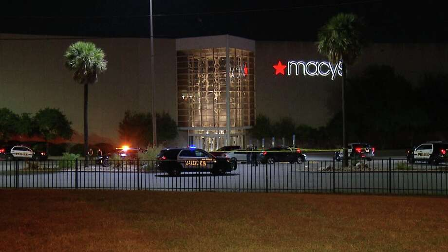 SAPD is investigating a shooting in the parking lot of the North Star Mall. Photo: Ken Branca