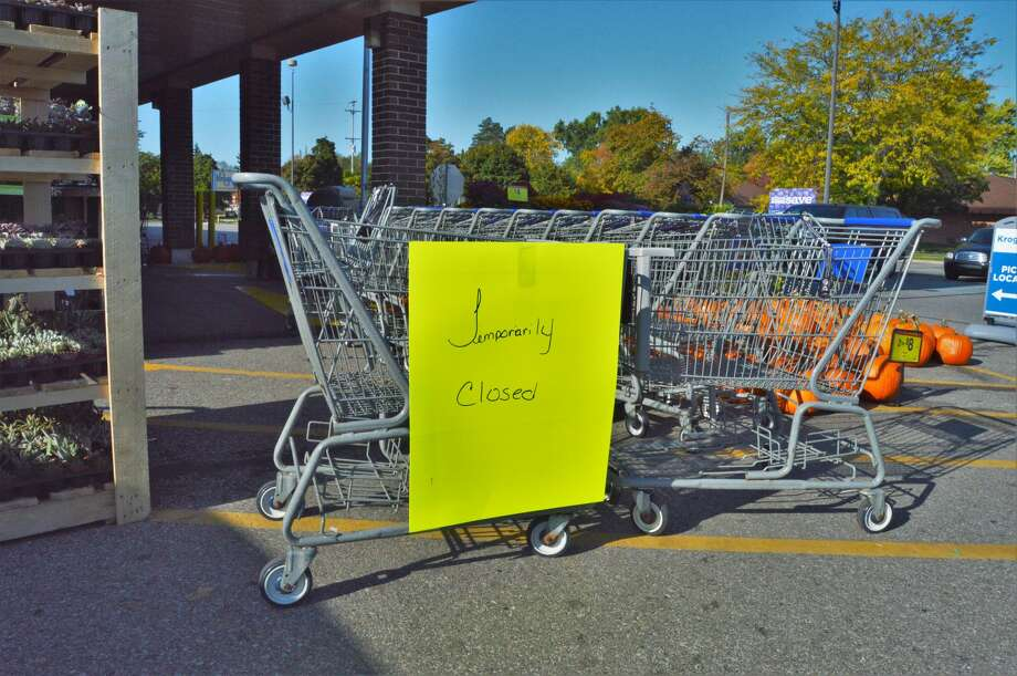 The Kroger on Ashman Street in Midland is temporarily closed Tuesday night and Wednesday afternoon as the store is without power. (Ashley Schafer/Ashley.Schafer@hearstnp.com) Photo: Ashley Schafer