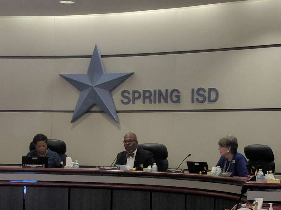 Spring ISD board members approve lowering the property tax rate to $1.43 per $100 valuation among other items during their Oct. 8 board meeting. Photo: Paul Wedding
